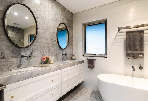 Clovelly Bathroom 3