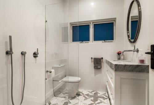 Clovelly Bathroom 5