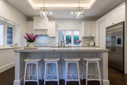 Clovelly Kitchen 2
