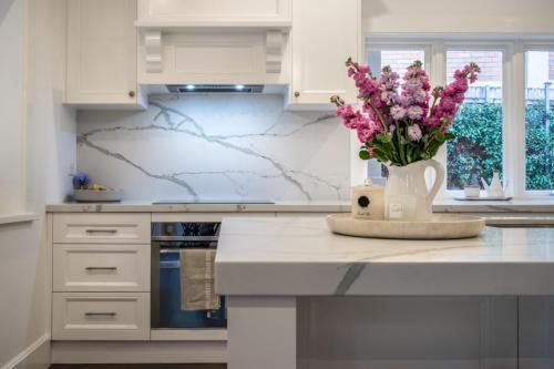 Clovelly Kitchen 5