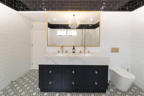 Enmore Bathroom 1