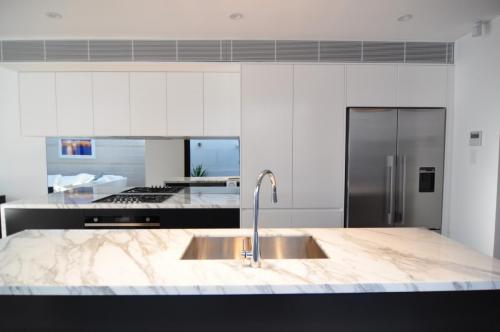 Redfern Kitchen 1