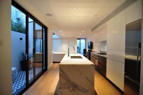 Redfern Kitchen 3