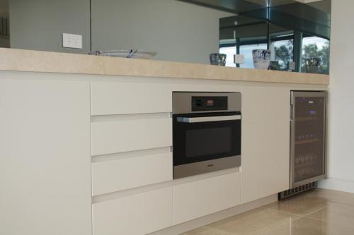 Sylvania Kitchen 3