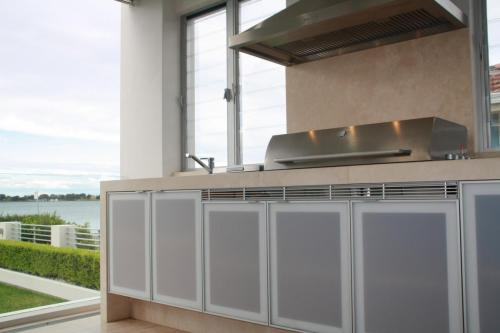 Sylvania Outdoor Kitchen 1